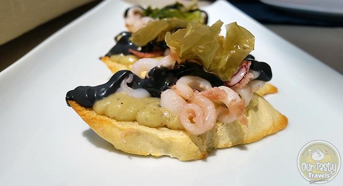 Assyrtico Santorini Bruschetta http://ourtastytravels.com/blog/eat-santorini-assyrtico-wine-restaurant-fira/ #food #travel #santorini #greece #ourtastytravels #ottmed14