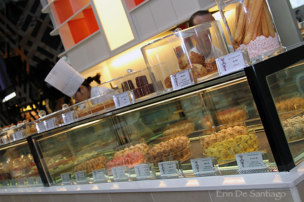 Elegant pastry creations available at Sweet Tea http://ourtastytravels.com/blog/sweet-tea-yannick-alleno-taipei-101/ #ourtastytravels #taipei