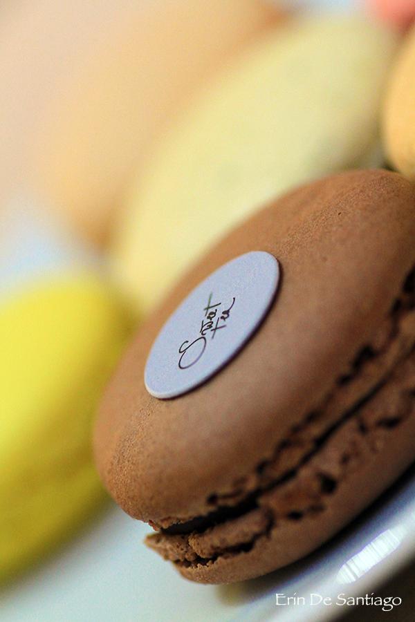 Sweet Tea Macarons http://ourtastytravels.com/blog/sweet-tea-yannick-alleno-taipei-101/ #ourtastytravels #taipei