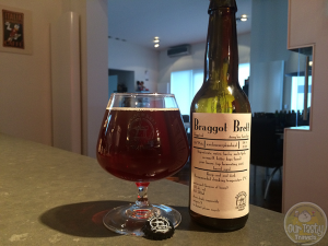25-Jan-2015 : Braggot Brett by Brouwerij De Molen. Carnivale Brettanomyces festival 2014 Amsterdam special -- Braggot with pilsner and caramalt, saaz for bittering. Barrel aged on Wild Turkey and Bordeaux barrels with brett. Lagered with pine honey. #ottbeerdiary