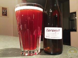 24-Feb-2015 : Kersepit by Kasparus Bierbrouwerij. Last beer from my birthday 12-pack of Dutch beers. A cherry beer. 5% ABV. A semi-decent sour base. The fruit seems to be more of a syrup than real fruit to me, but not overly sweet. Drinkable. #ottbeerdiary