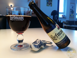 31-May-2015 : Liefmans Oud Bruin by Brouwerij Liefmans. The same sour ale base flavor as some of my favorites from Liefmans. This one just seems slightly more watery in the finish. #ottbeerdiary