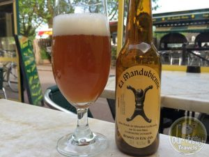 26-Apr-2015 : La Mandubienne Biere Blonde by Brasserie des Trois Fontaines. A cloudy light brown in color, this blonde is a little on the sweeter side. But some hidden bitterness underneath. #ottbeerdiary