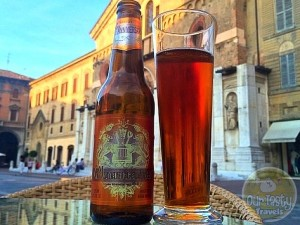 25-Jun-2015 : Birra del 150° Anniversario Ambrata by G. Menabrea & Figli. A wee bit sweet. But drinkable, especially while sitting on a sunny piazza. #ottbeerdiary #blogville